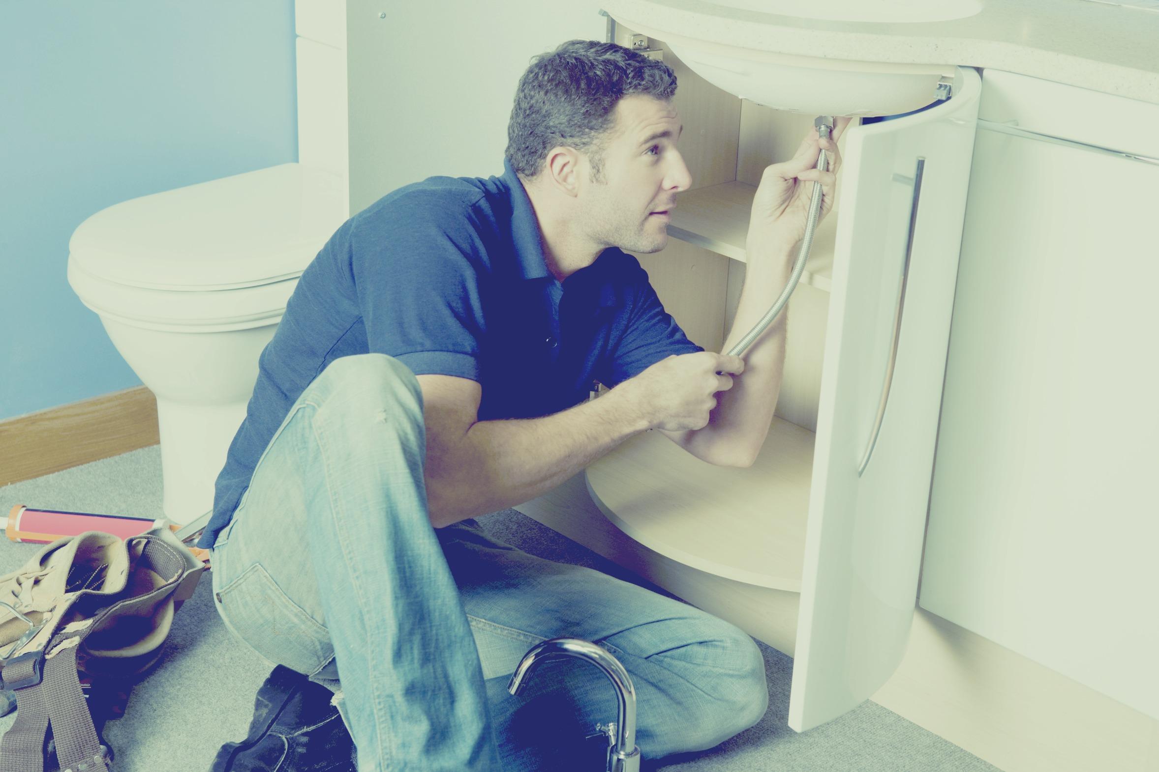 qui appeler pour un d pannage en plomberie. Black Bedroom Furniture Sets. Home Design Ideas